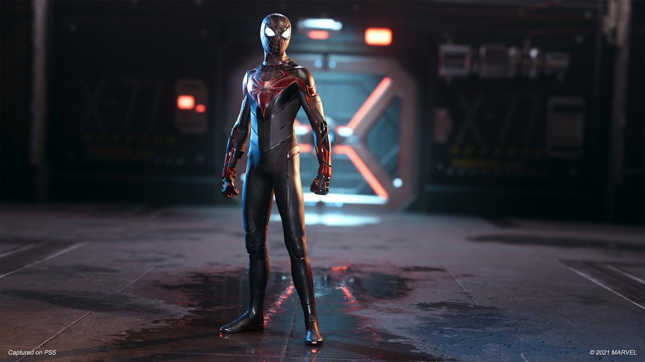 A Advanced Tech Suit traz um belo design com placas que servem de armaduras em Spider-Man: Miles Morales (Reprodução: Insomniac Games)
