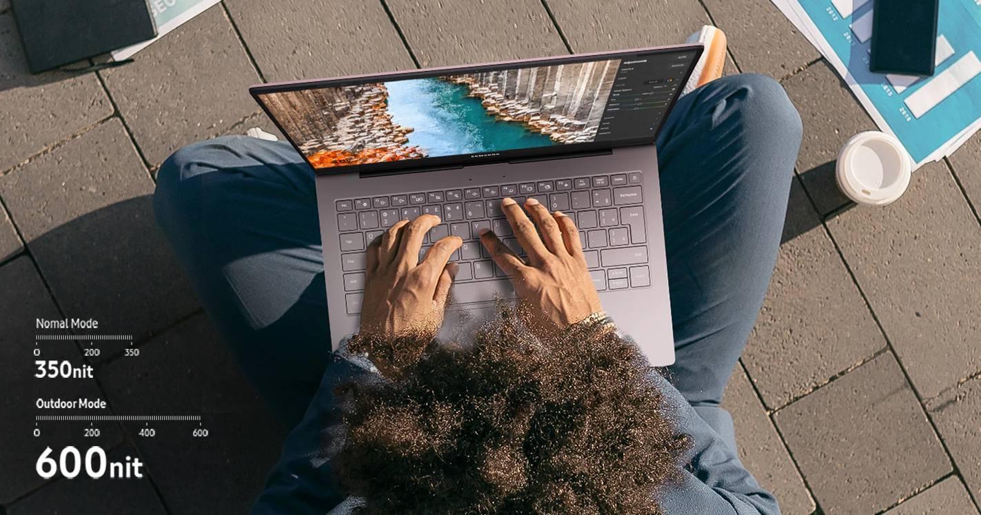 O Samsung Galaxy Book S é um dos poucos notebooks com um modo que permite usá-lo ao ar livre (Fonte: Divulgação/Samsung)