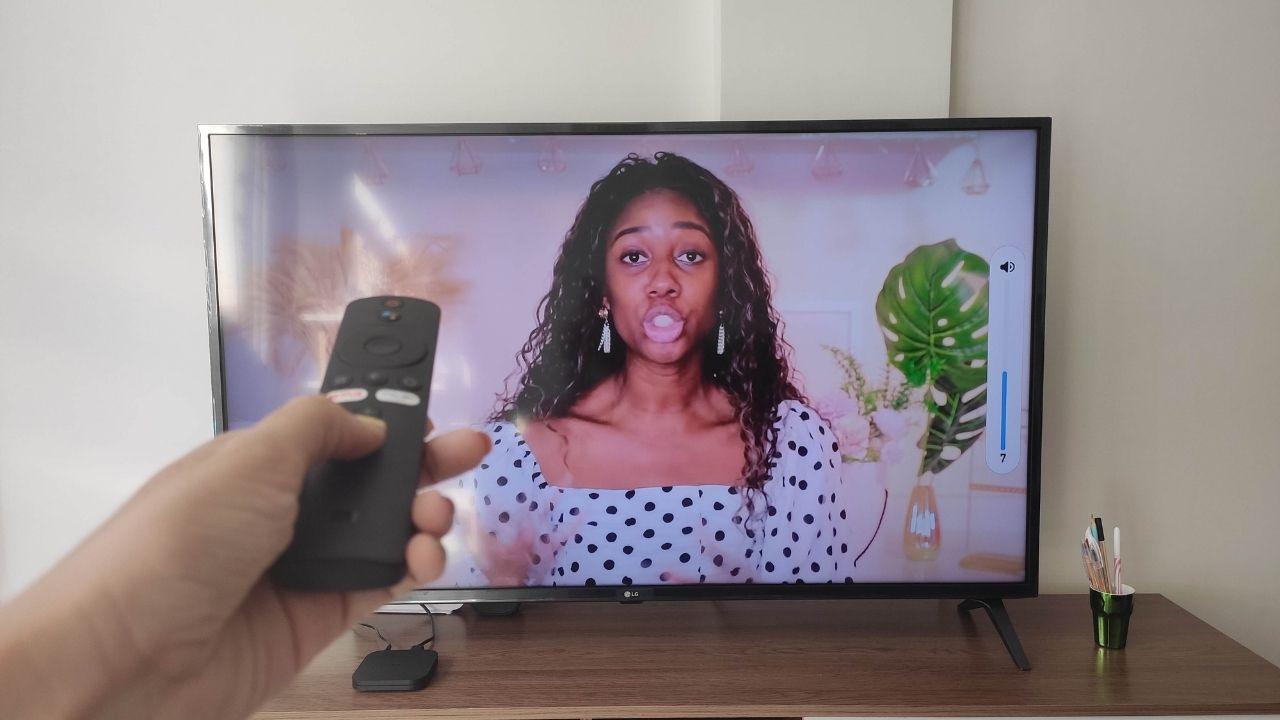 A Mi Box S tem resolução 4K e recurso HDR (Foto: Arquivo pessoal/Gabrielle Nunes)