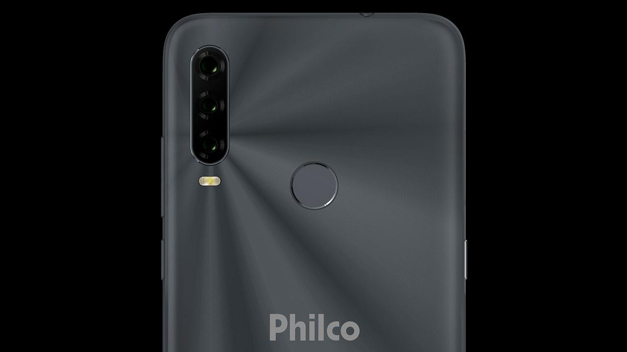 O Philco Hit P10 tem conjunto triplo de câmeras. (Foto: Divulgação/Philco)