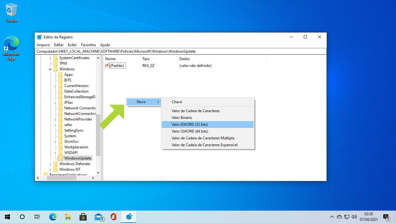 Clique na parte vazia do lado direito da tela para criar um novo Valor DWORD de 32 Bits dentro da pasta WindowsUpdate (Reprodução: Redação Zoom)