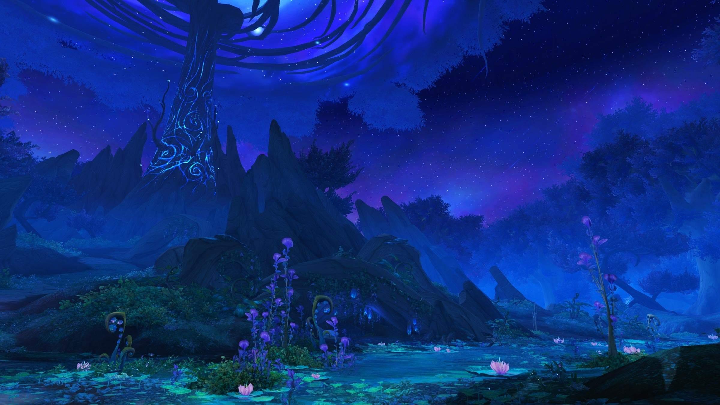 Cenário escurecido de World of Warcraft, mostrando uma região com florestas e montanhas, com uma torre emitindo magia ao fundo
