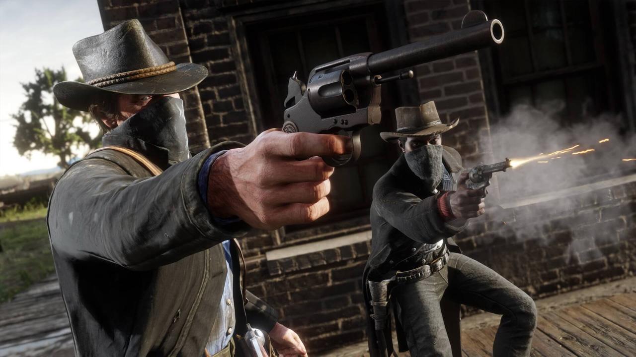 Dois fora-da-lei atiram em alguém que não aparece na imagem em uma cena de Red Dead Redemption 2