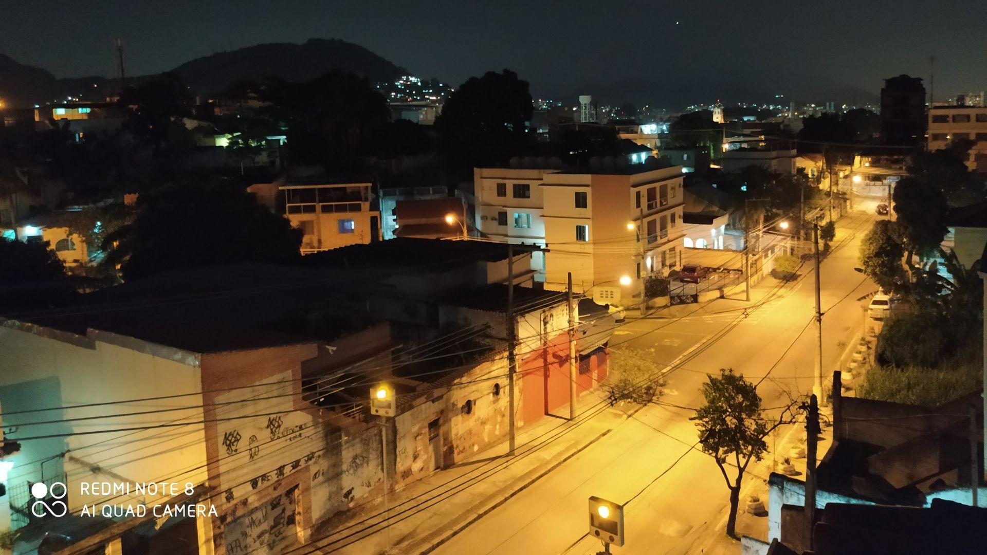 Foto tirada à noite com o Redmi Note 8 (Foto: Aline Batista/Zoom)