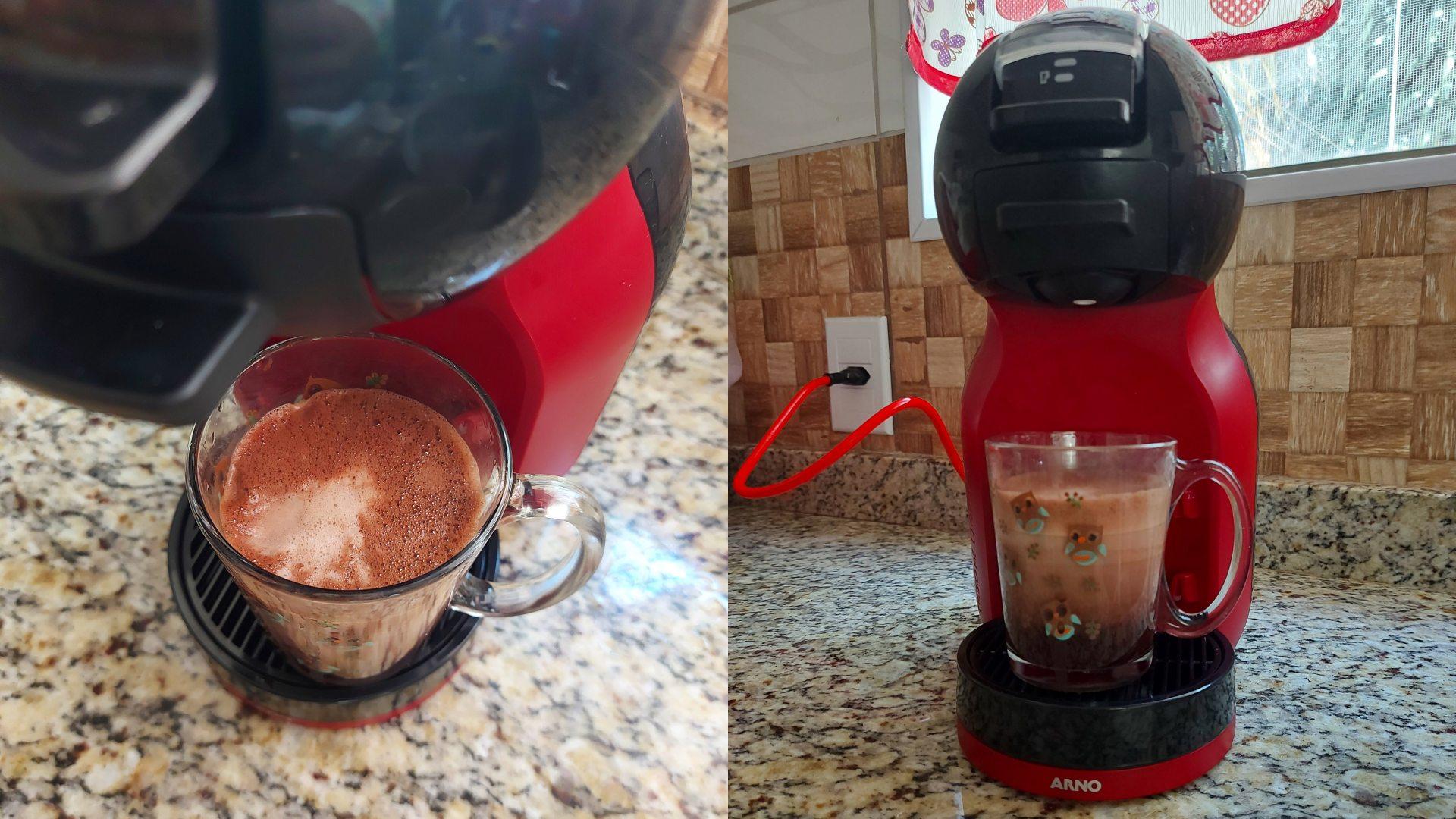 Com duas cápsulas, a Dolce Gusto Mini Me espuma as bebidas com facilidade (Foto: Acervo Pessoal/Ariel Cristina Borges)
