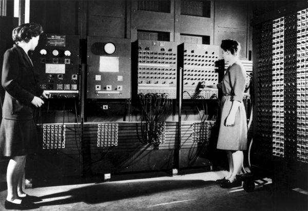 O ENIAC foi o primeiro computador eletrônico e fez mais cálculos em dez anos do que a humanidade em toda a sua história (Foto: Universidade da Pensilvânia/computerhistory.org)