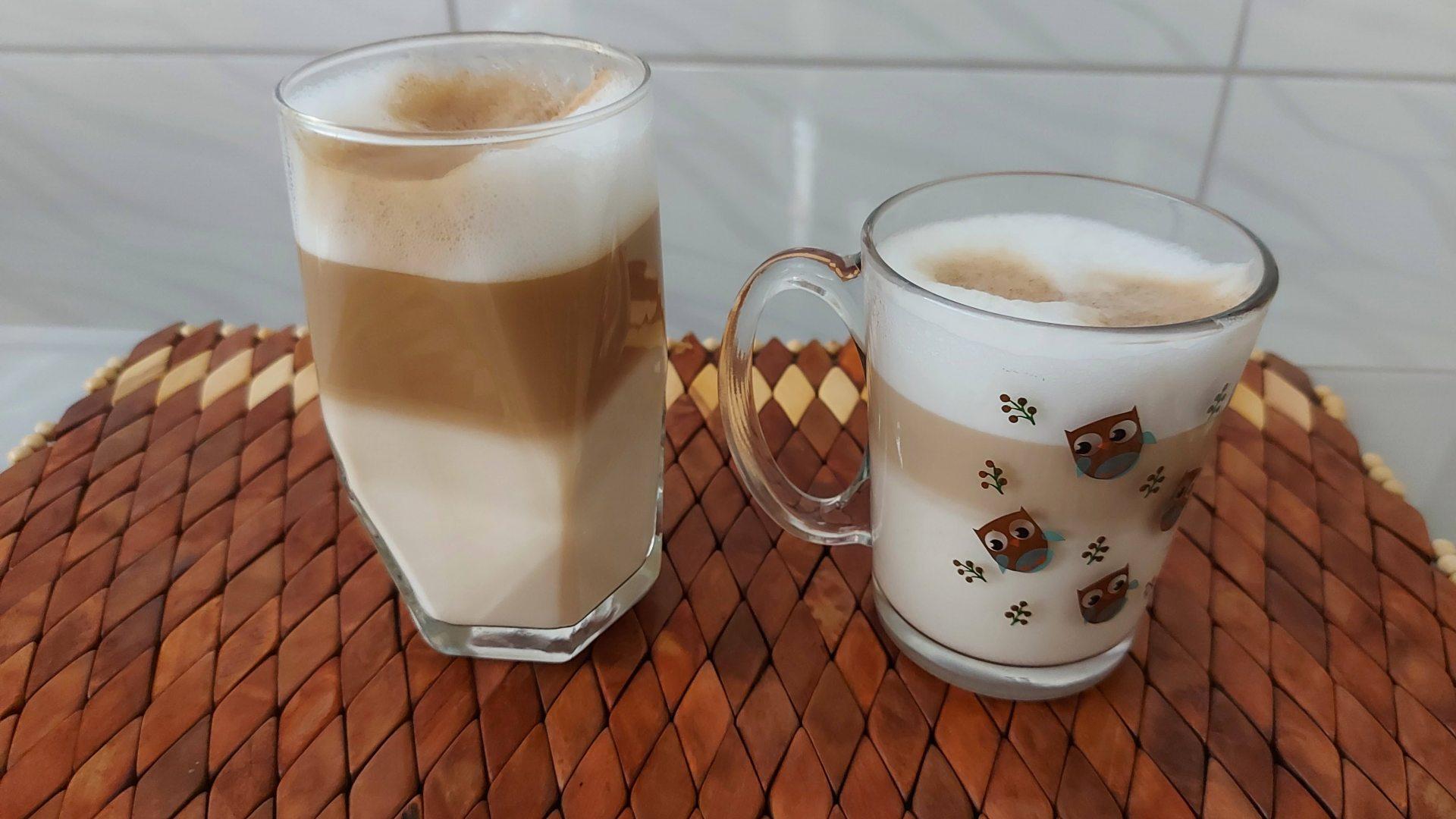 Esses são os tamanhos dos lattes longo e curto (Foto: Acervo Pessoal/Ariel Cristina Borges)