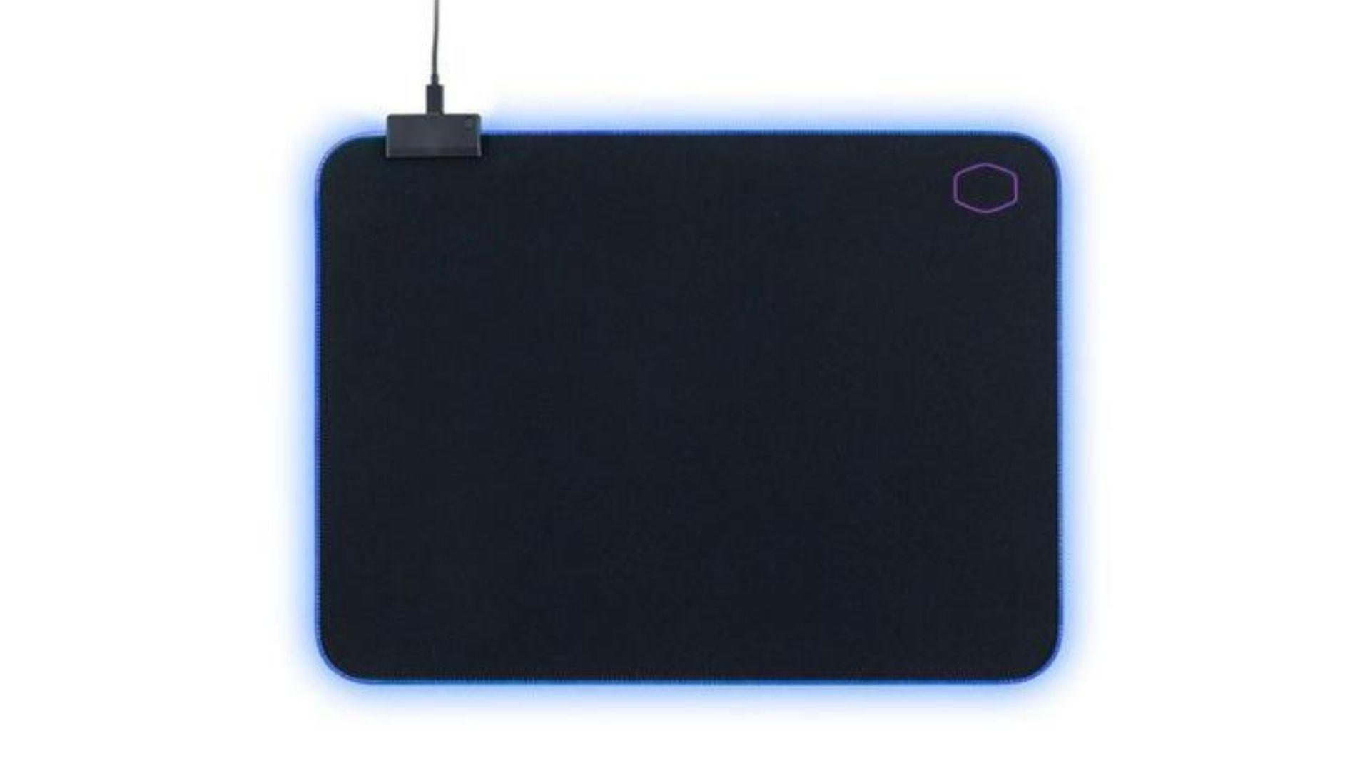MP750, da Cooler Master, é um mouse pad gamer RGB abrangente e personalizável (Foto: Divulgação/Cooler Master)